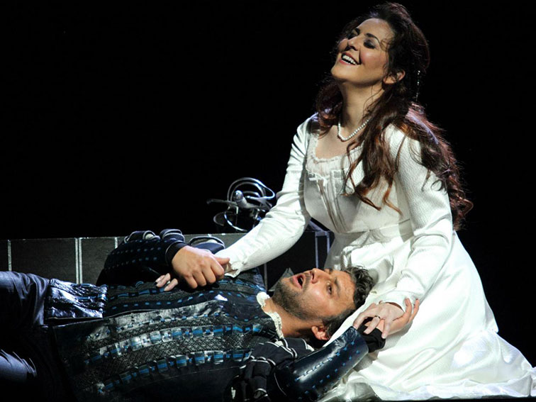 http://mathieucrescence.com/files/gimgs/55_otello1.jpg